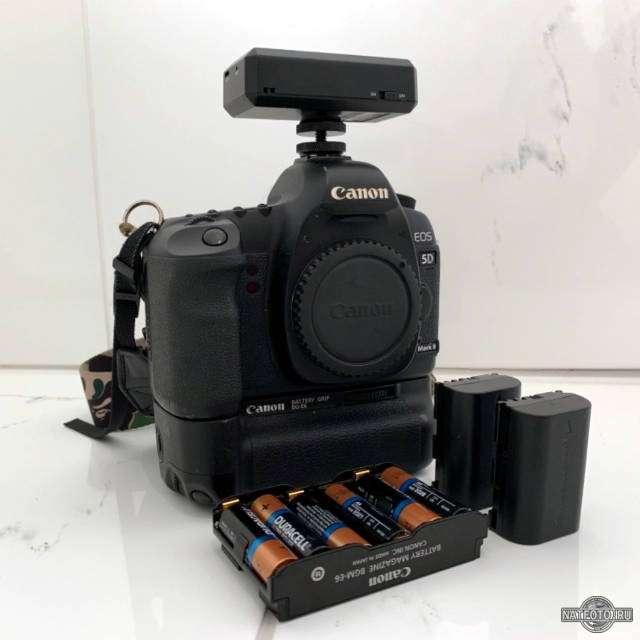 фотоаппарат с батарейным блоком на батарейках aa